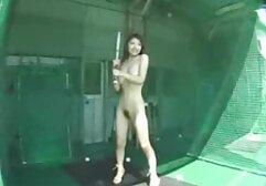 Fényes lány, félénken szar egy srác a fürdőszobában. pinába élvezés válogatás